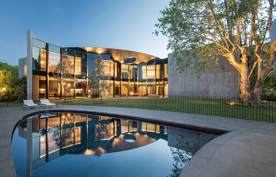 Toorak Towers Road Residence