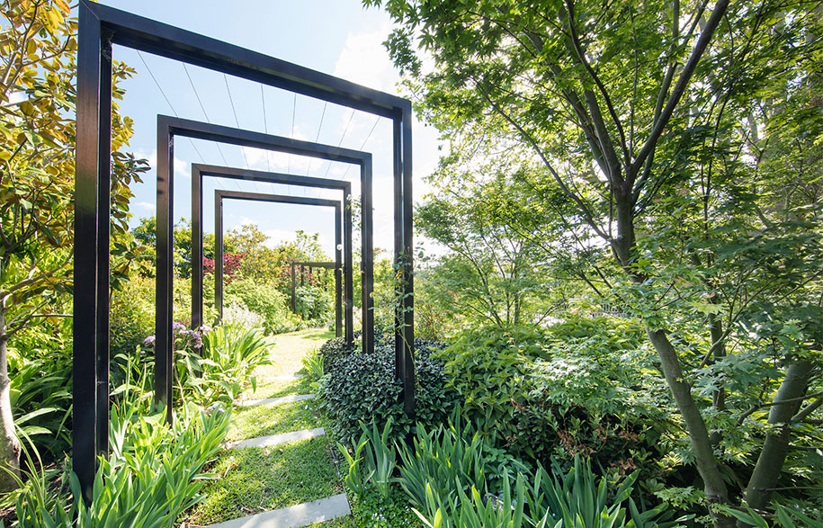 Toorak Towers Road Residence garden