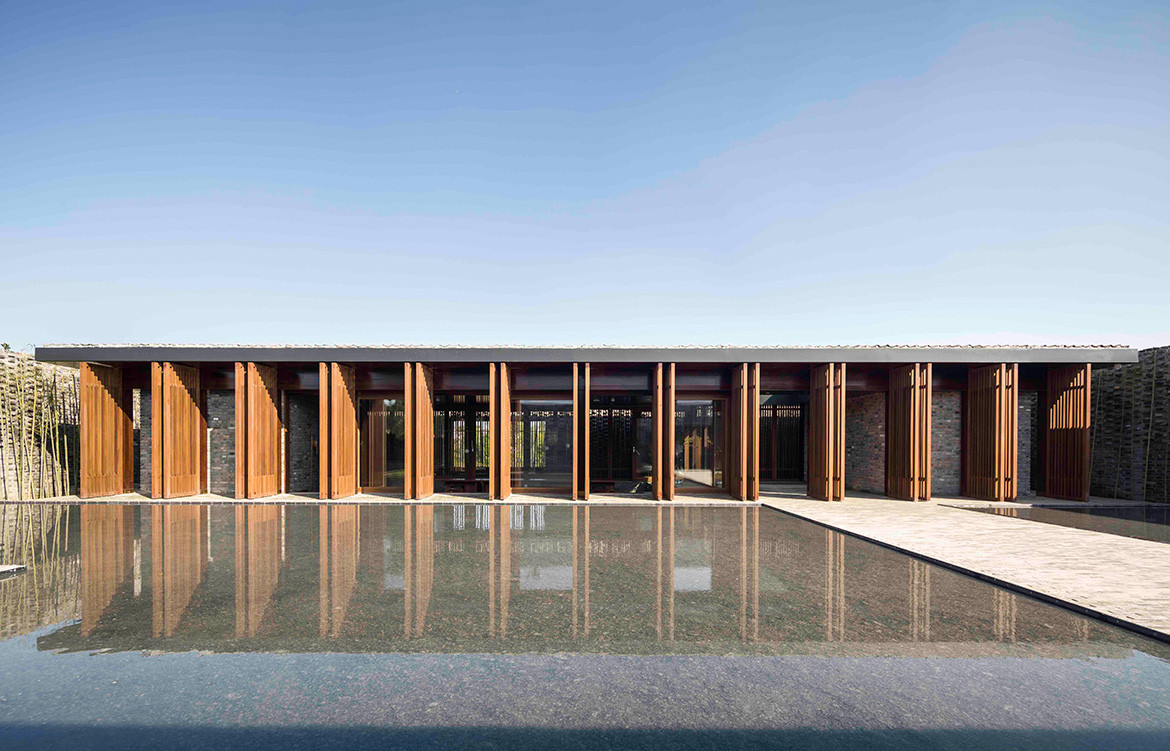 Tsingpu Yangzhou Retreat Neri&Hu cc Pedro Pegenaute timber battens