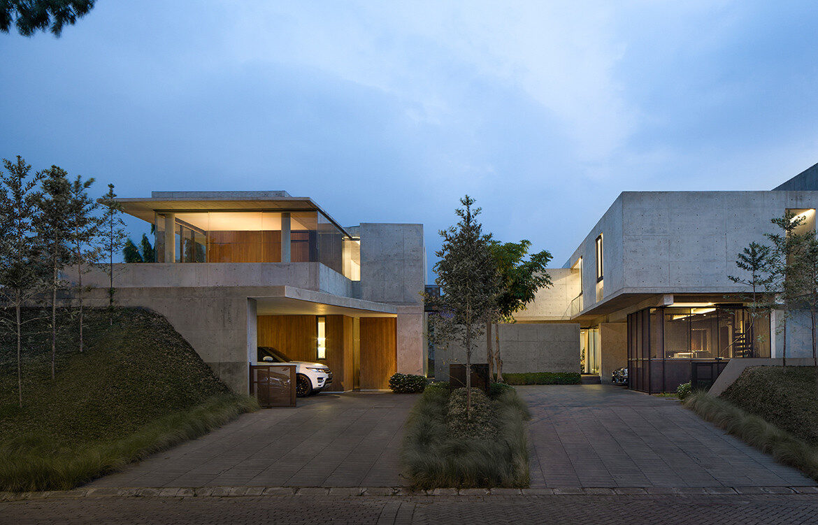Brutalist style architecture of Twins House by Willis Kusuma Architects featured in Willis Kusuma Makes Room To Grow Together on habitusliving.com cc Mario Wibowo