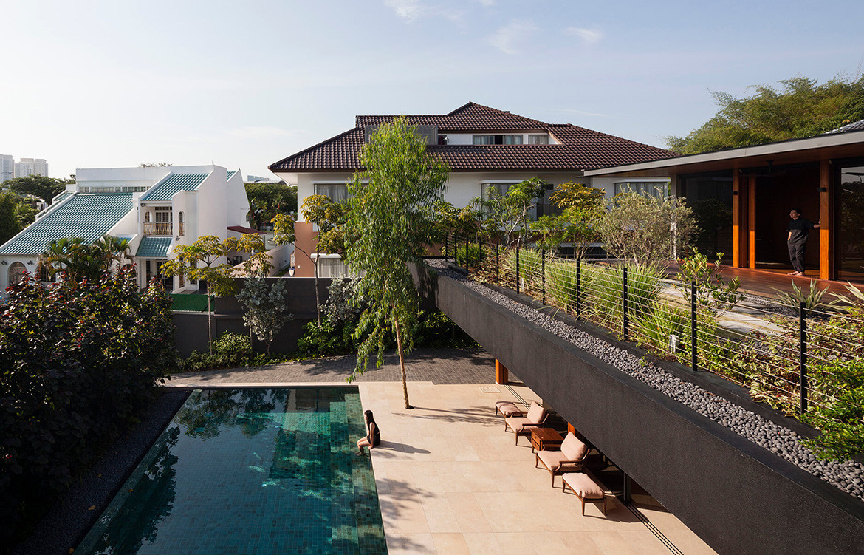 Verandah House Formwerkz Architects cc Fabian Ong pool