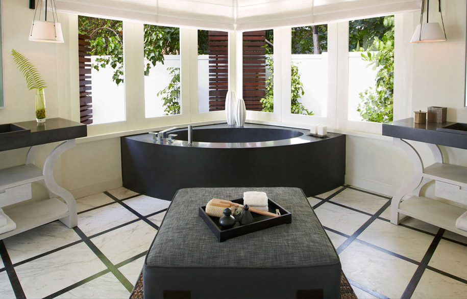 Viceroy,-Maldives-Resort,-custom-bathtub
