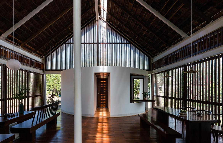 YT House Rear Studio AHO Design Studio CC Quang Dam symmetrical interior