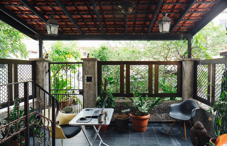 Yann Follain WY-TO Design Home front house courtyard