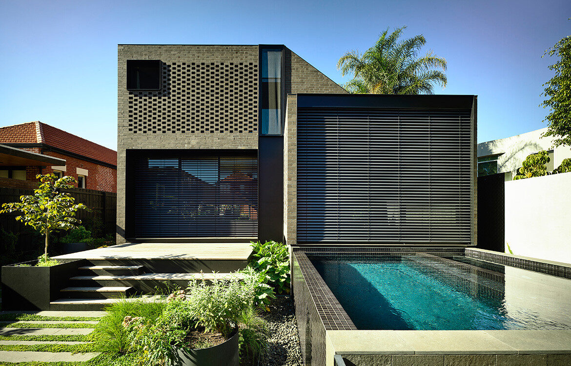 York Street Jackson Clements Burrows Architects CC Derek Swalwell blinds down pool courtyard