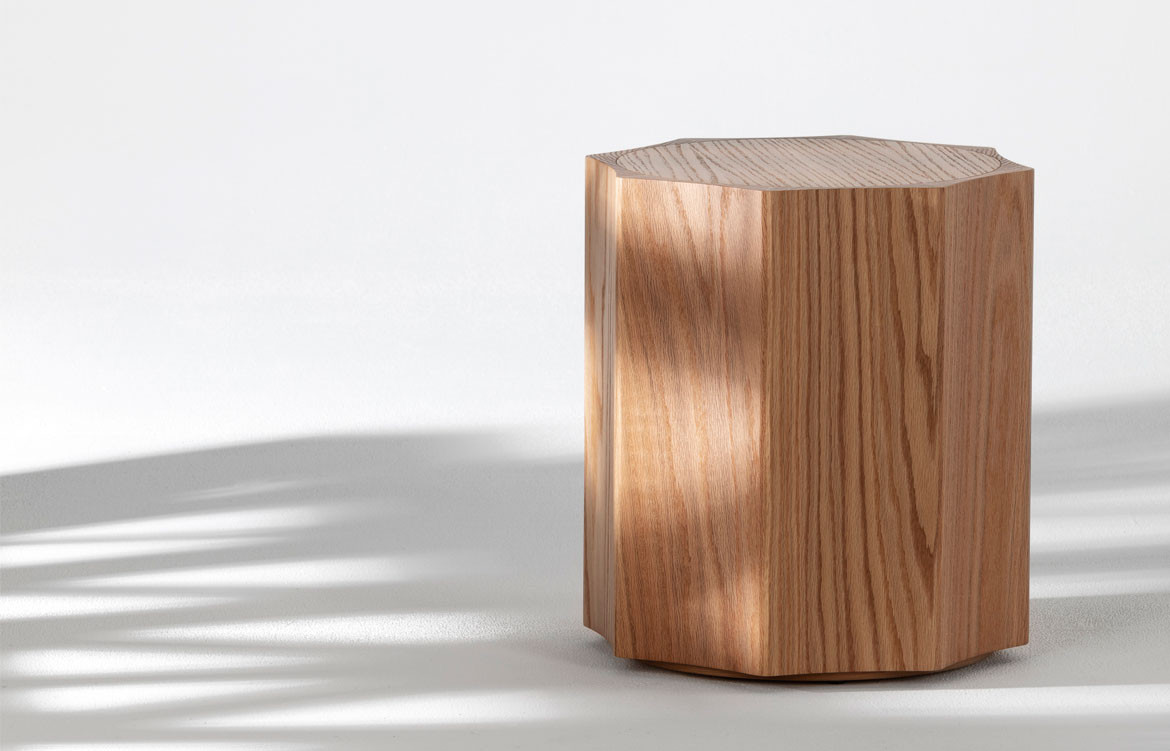 Max side table