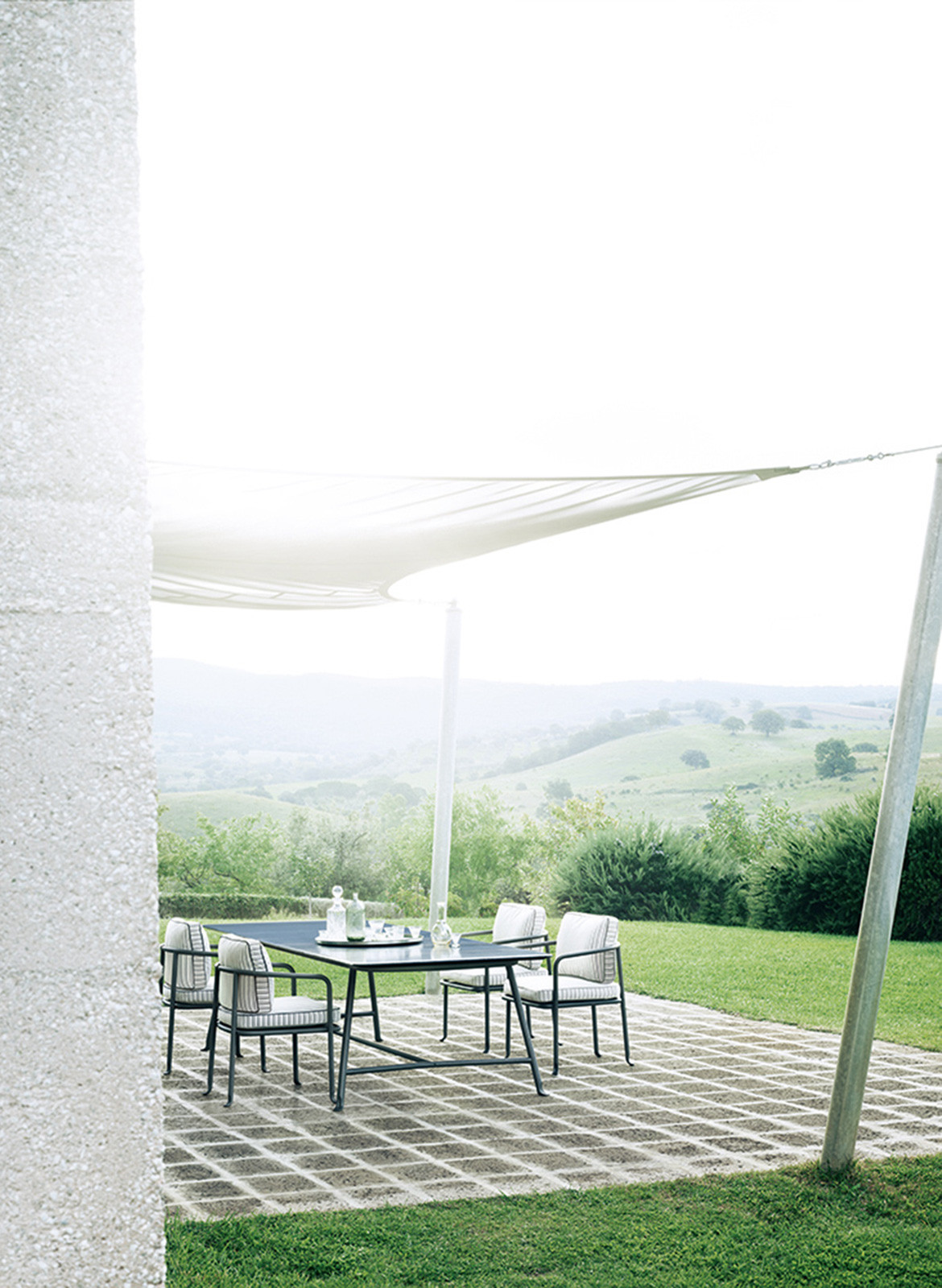b&b italia borea outdoor setting