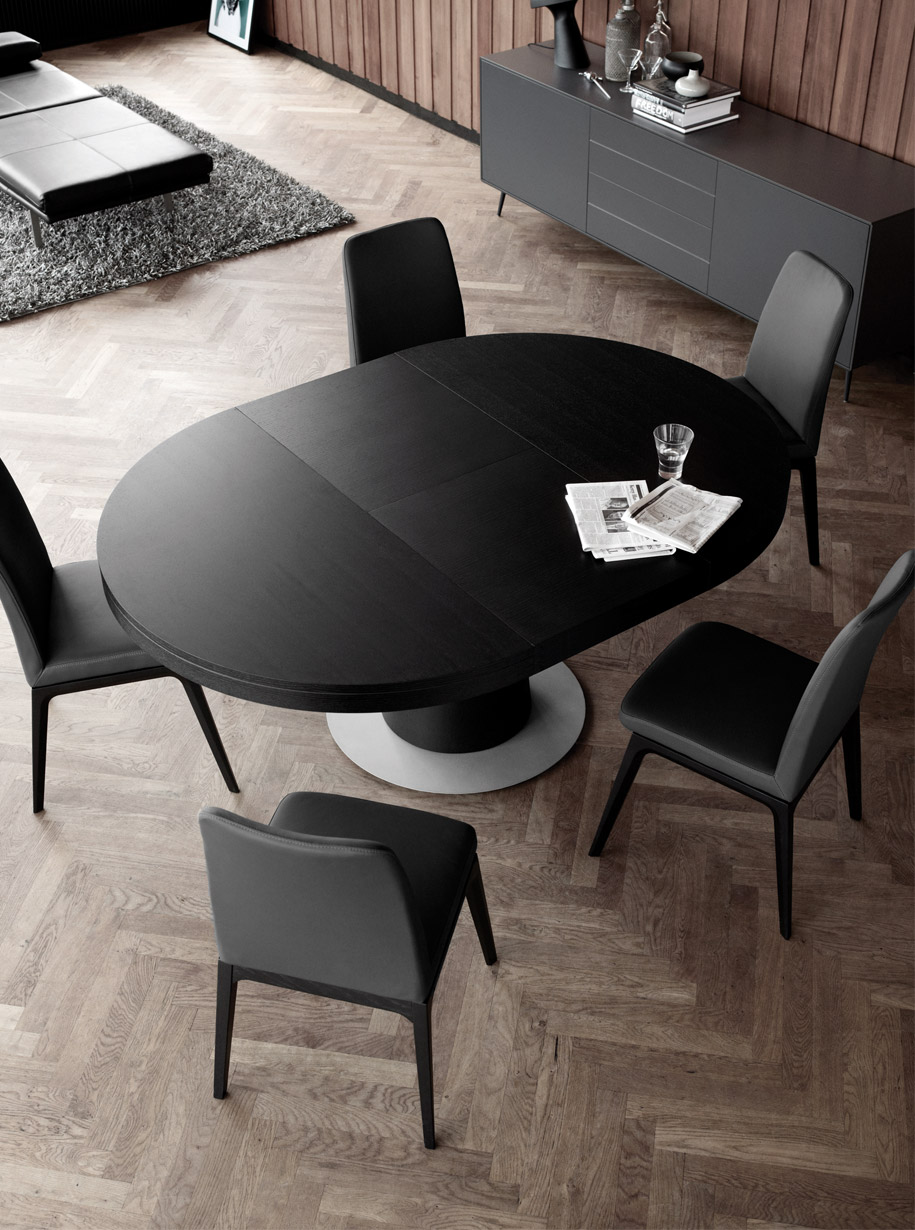 Occa 5500 dining table from boconcept for Bo concept