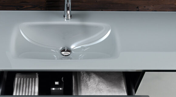Falper Edge cabinet and integrated basin