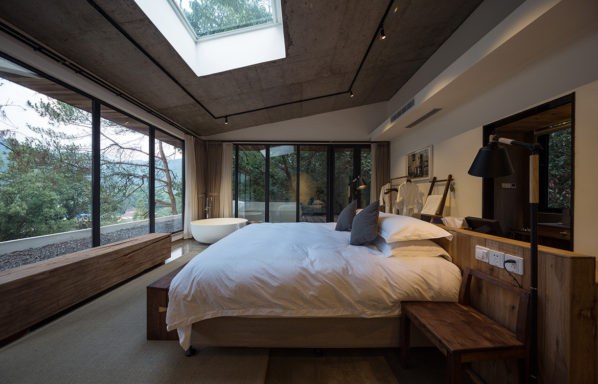 Jingshan Hotel Photography by SHIROMIO Studio Bedroom skylight