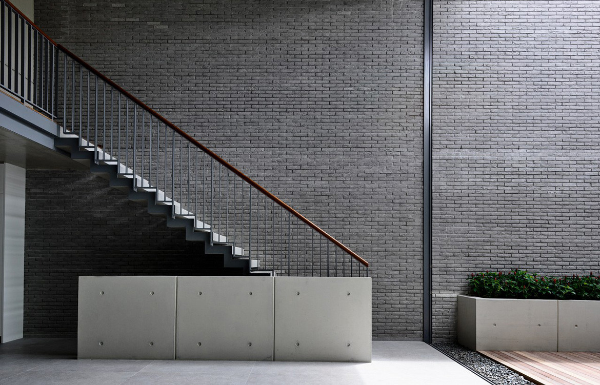 Lily Avenue HYLA Architects Concrete staircase