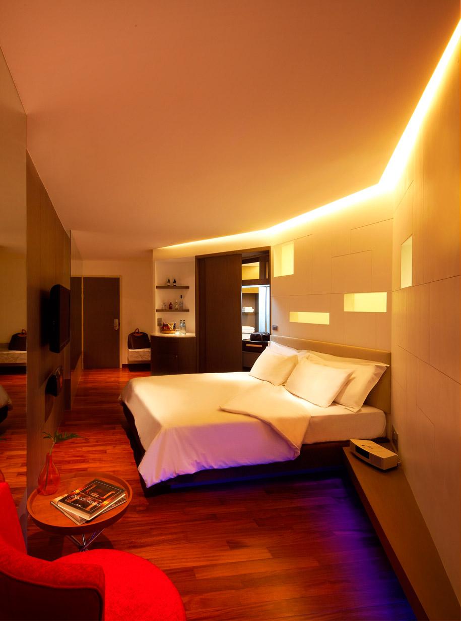 lit_hotel_4