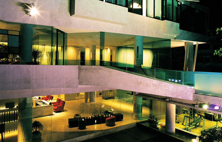 lit_hotel_9