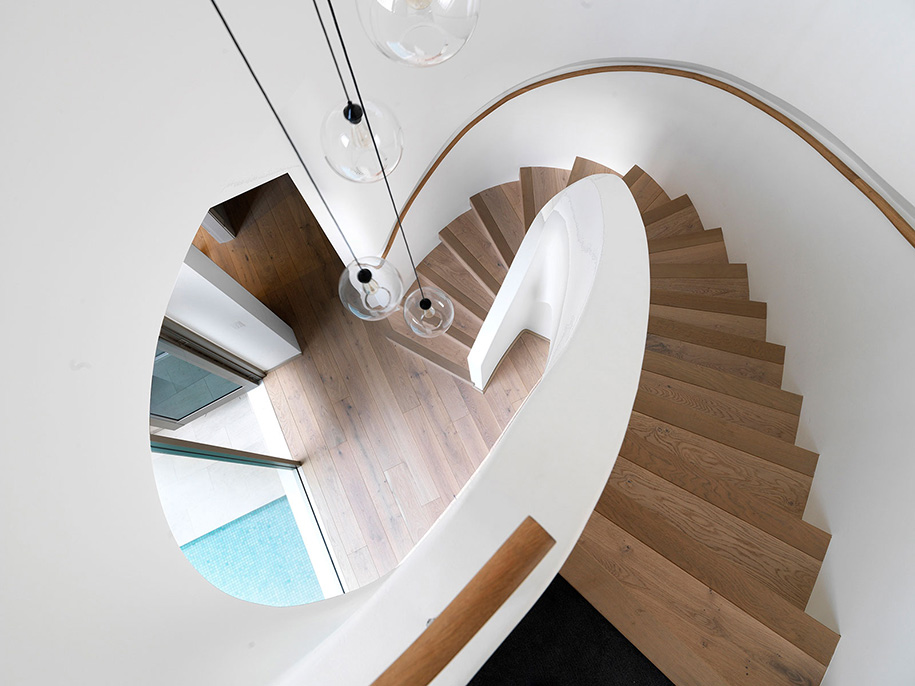 luigi rosselli architects pool house justin alexander staircase