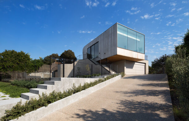 Sorrento House Cera Stribley Architects Photography by Emily Bartlett Front view